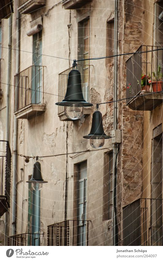 Old City House (Residential Structure) Street Window Wall (building) Architecture Wall (barrier) Building Lamp Lighting Facade Poverty Esthetic Cable Lantern