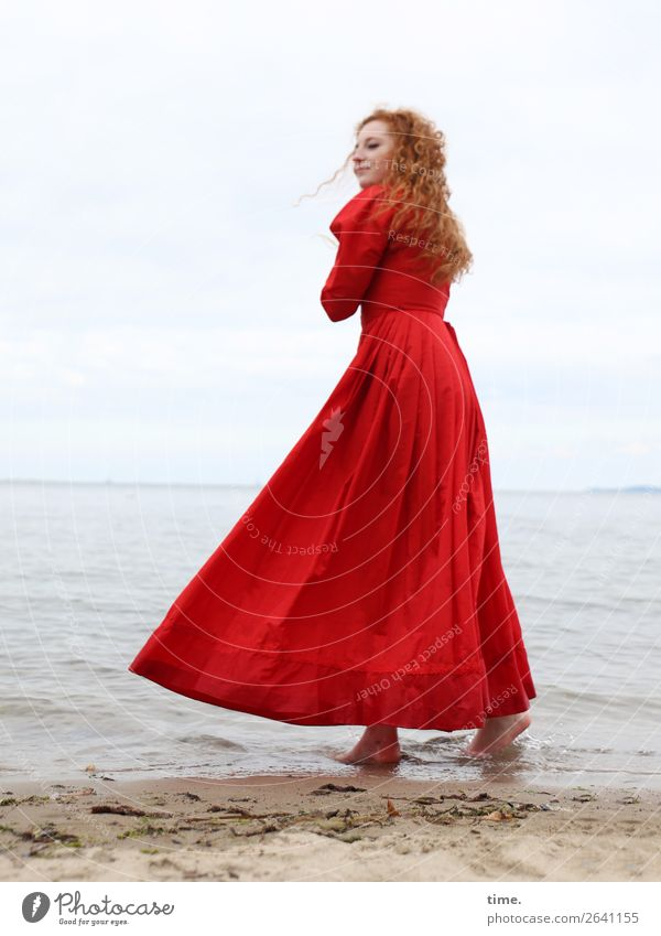 nina Feminine Woman Adults 1 Human being Water Sky Coast Beach Baltic Sea Dress Red-haired Long-haired Curl Observe To hold on Looking Stand Wait Maritime