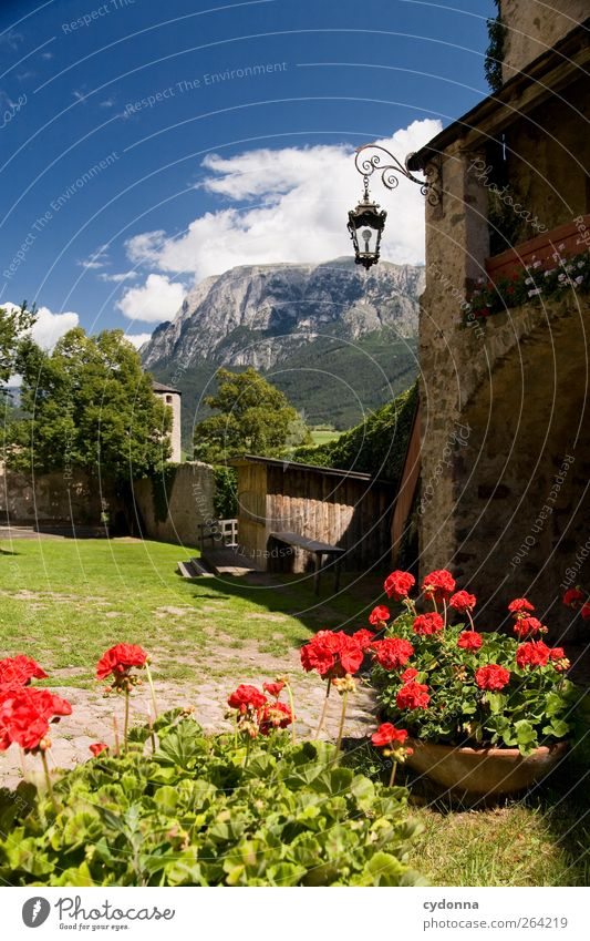 Sky Beautiful Vacation & Travel House (Residential Structure) Landscape Mountain Lanes & trails Grass Trip Tourism Uniqueness Idyll Alps Beautiful weather Castle Flowerpot