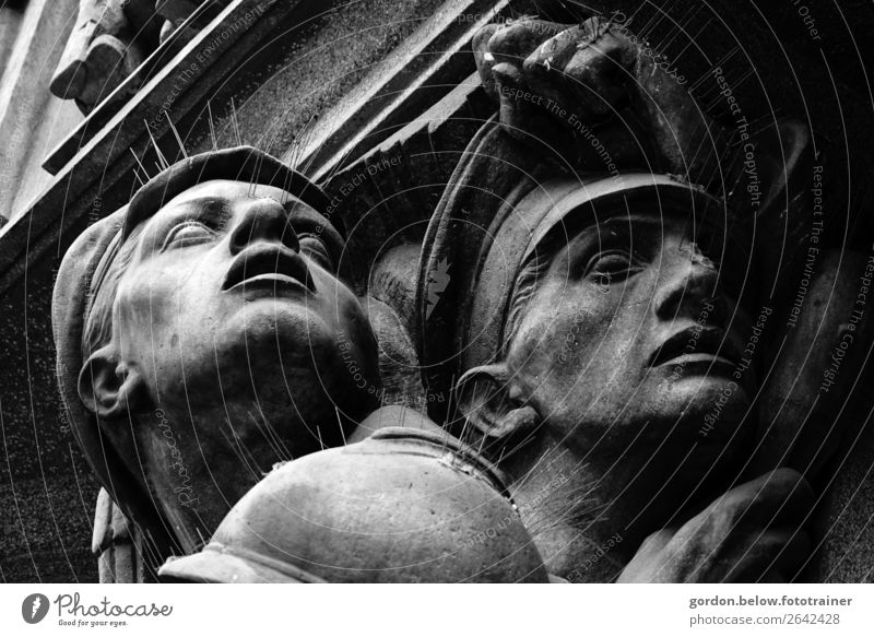 The power in stone Human being Head 2 Art Work of art Deserted Architecture Tourist Attraction Monument Stone Famousness Sustainability Gray Black Honor Bravery