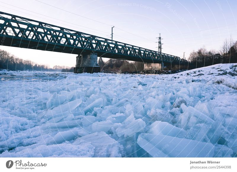 Icy Winter Elements Sunrise Sunset Ice Frost Snow Bridge Adventure Apocalyptic sentiment Environment Colour photo Subdued colour Exterior shot Morning Dawn