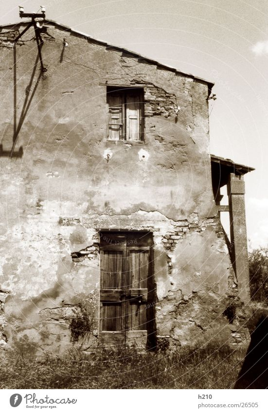 house.italy1 House (Residential Structure) Building Architecture fall apart detailed view Black & white photo Moody