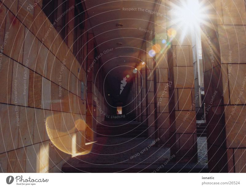 Sun Architecture Frankfurt Column Römerberg