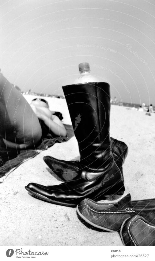 shoe Footwear Ocean Boots Physics Woman Sunbathing Black Relaxation Hot Perspire Europe Baltic beach Warmth Thirst Water Bottle Lie