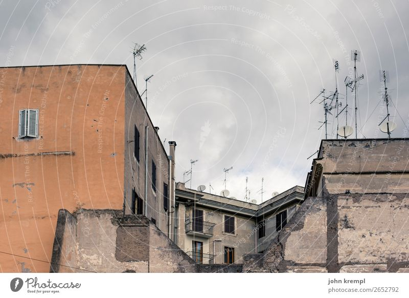Old Town House (Residential Structure) Dark Architecture Wall (building) Sadness Building Wall (barrier) Orange High-rise Transience Italy Change Threat