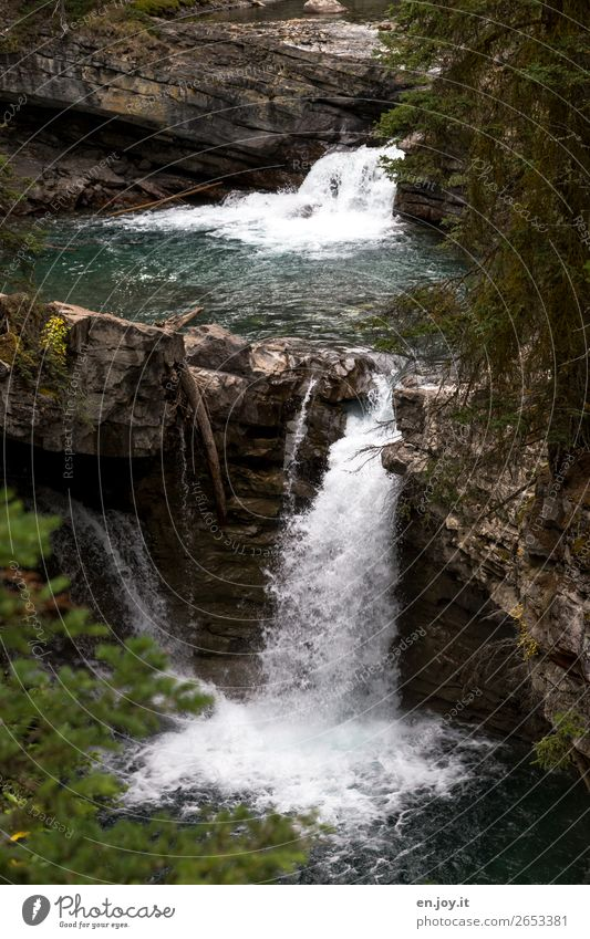 Vacation & Travel Nature Water Landscape Environment Rock Climate Elements Environmental protection Sustainability Waterfall Canada North America