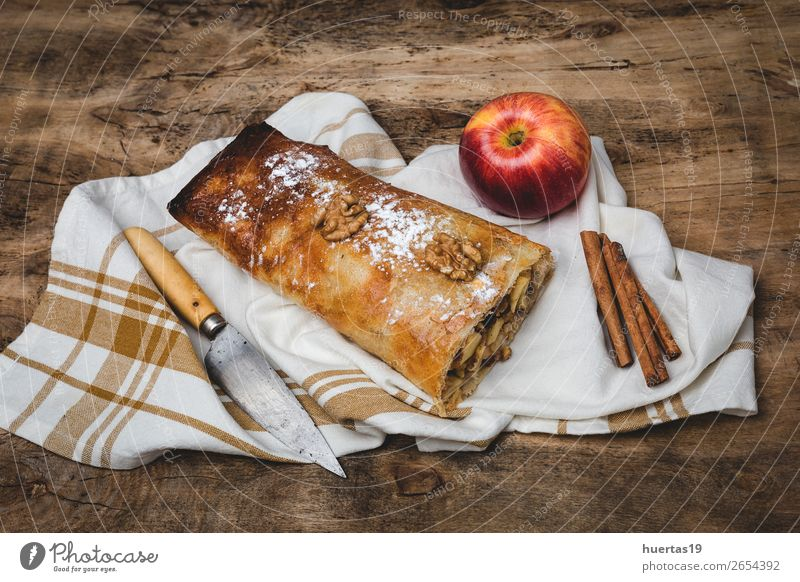 Homemade apple strudel with nuts Food Fruit Apple Dessert Candy Table Delicious Sugar Home-made cake Baked goods stuffed Baking tasty kitchen Raisins roll