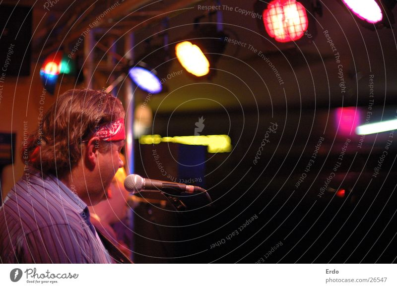 Music Shows Gastronomy Concert String Stage Stage lighting Musician Singer Roadhouse