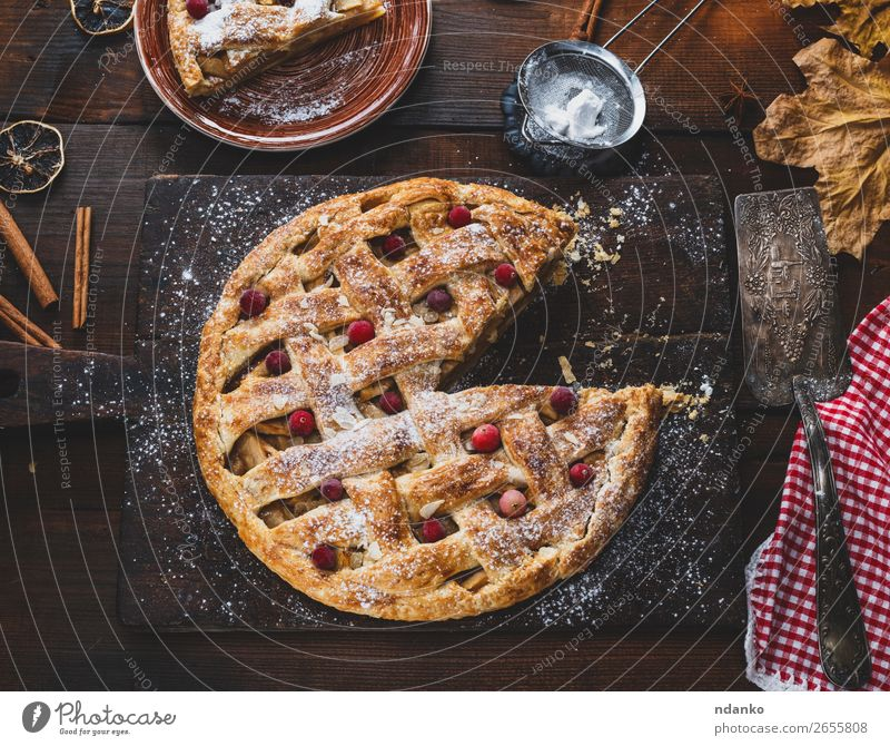 baked whole round apple pie White Wood Brown Fruit Above Fresh Table Cooking Delicious Kitchen Baked goods Cake Tradition Dessert Apple