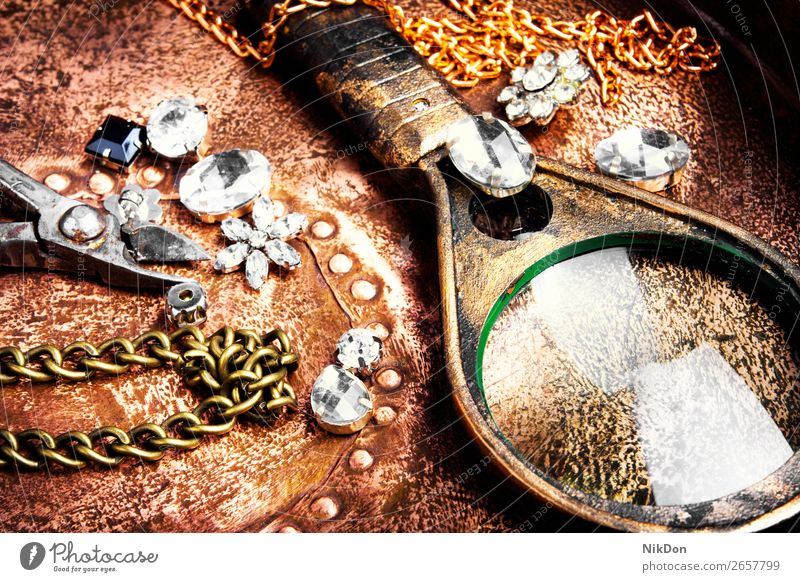 Making of handmade jewellery chain craft necklace gold metal silver fashion jewelry stone bead diamond retro luxury pendant accessory gem precious bracelet