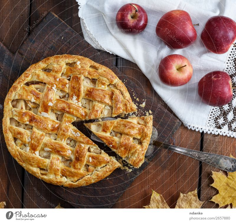 traditional fruit cake on a brown wooden board Food Fruit Apple Cake Dessert Candy Table Thanksgiving Autumn Wood Eating Fresh Delicious Natural Brown Gold