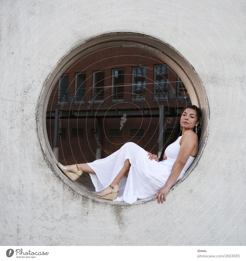 Nikoliya Feminine Woman Adults 1 Human being Hamburg Downtown House (Residential Structure) Manmade structures Wall (barrier) Wall (building) Dress Jewellery