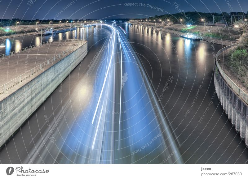 Blue Water White Green Black Yellow Cold Wall (building) Movement Wall (barrier) Bright Horizon Time Driving Harbour Night sky