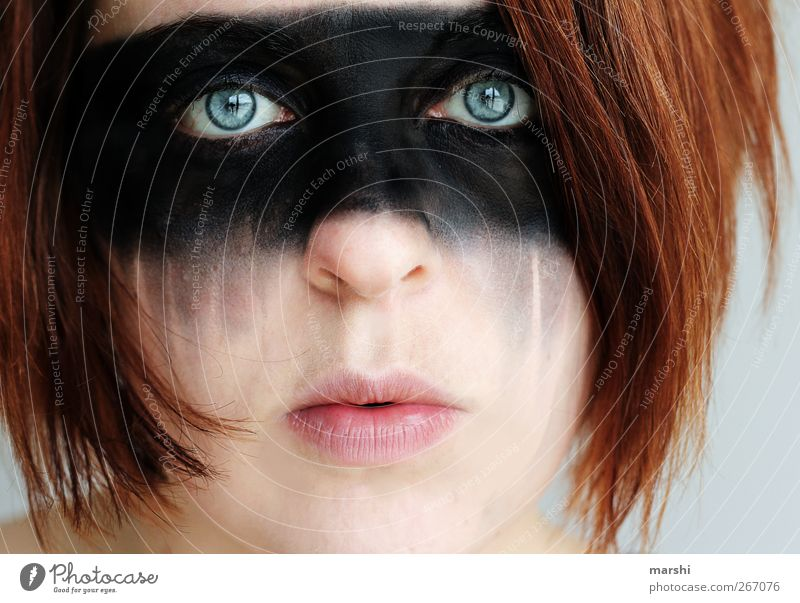 sad Style Human being Feminine Woman Adults Head Hair and hairstyles Face 1 Emotions Moody Fear Distress Red-haired Looking Forward Looking into the camera