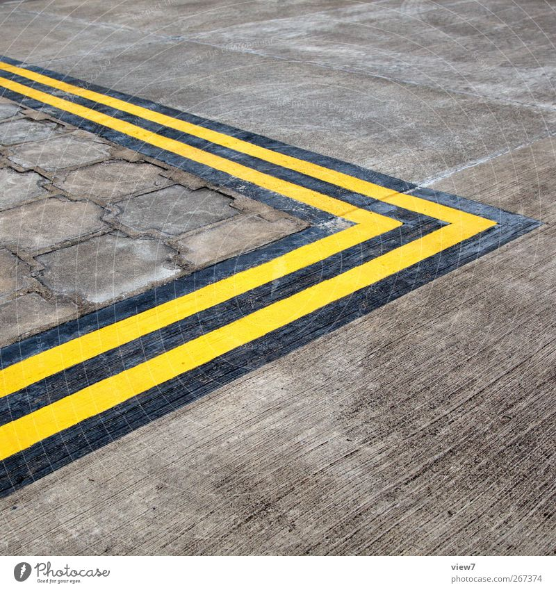 >> Transport Traffic infrastructure Street Crossroads Lanes & trails Road sign Stone Concrete Line Stripe Old Authentic Simple Uniqueness New Yellow Beginning