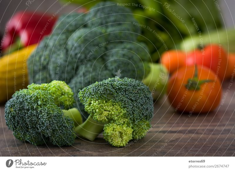 Healthy Green Organic Raw Broccoli and other vegetables Vegetable Healthy Eating florets Fresh Food Food photograph Agriculture Vitamin Cabbage Dinner