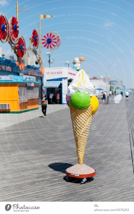 seafront promenade Food Ice cream Nutrition Leisure and hobbies Playing Vacation & Travel Tourism City trip Summer Summer vacation Fairs & Carnivals
