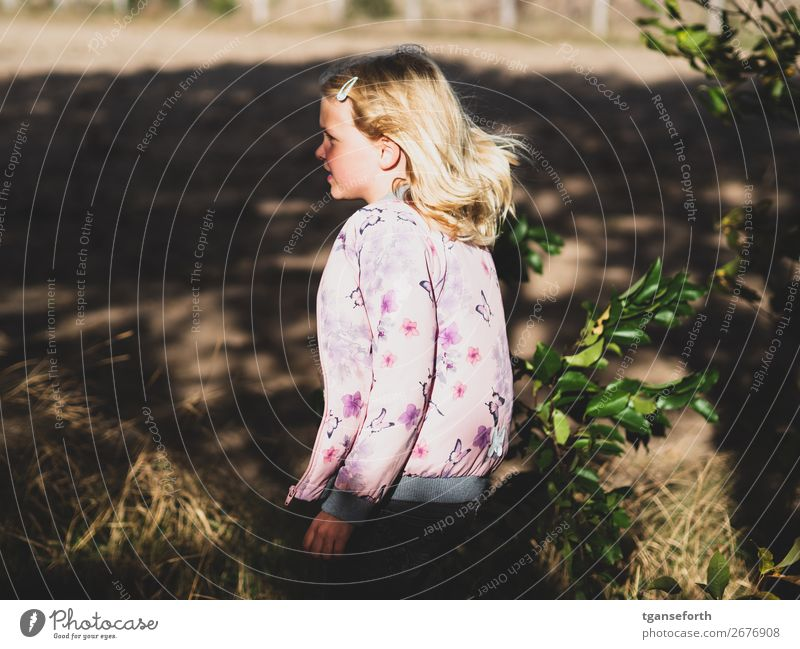 Looking Human being Feminine Child Girl Infancy 1 3 - 8 years Environment Nature Plant Jacket Blonde Observe Movement Think Discover Going Listening Walking
