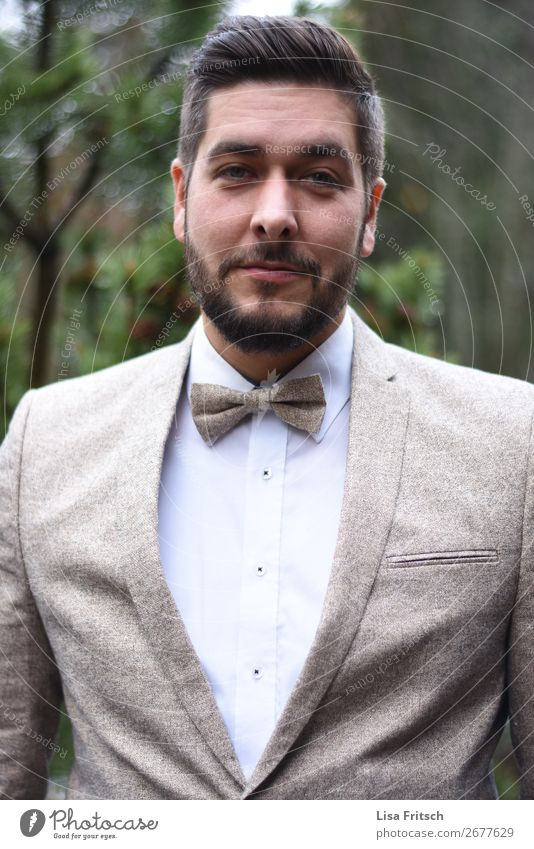 Man in a suit, bow tie Lifestyle Luxury Elegant Style Beautiful Hair and hairstyles Feasts & Celebrations Wedding Masculine Adults 1 Human being 30 - 45 years