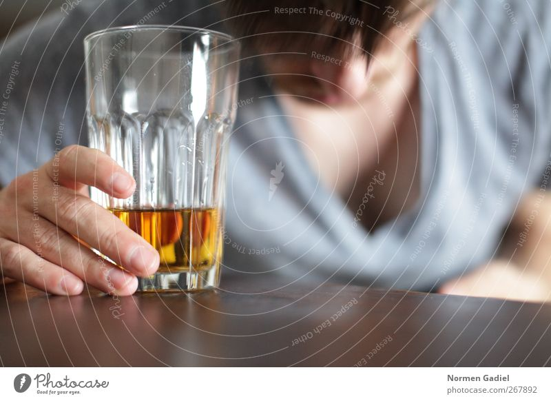 Human being Masculine Table Beverage Intoxicant Alcoholic drinks Alcohol-fueled Intoxication Frustration Support Alcoholism Indifferent Spirits Lack of inhibition Whiskey Rest on