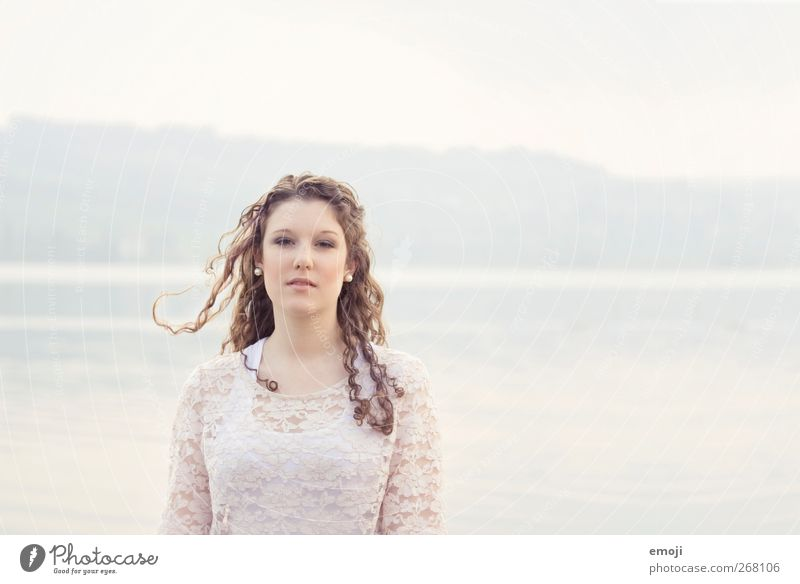 slightly Feminine Young woman Youth (Young adults) 1 Human being 18 - 30 years Adults Bright Beautiful Ease Easy Colour photo Subdued colour Exterior shot