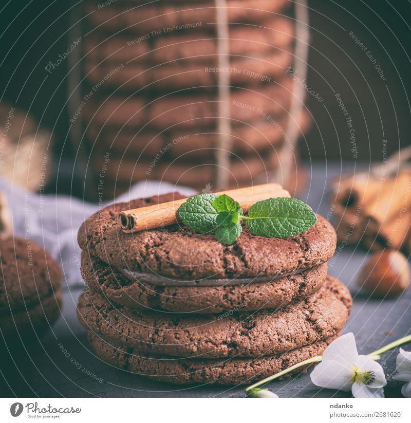 round chocolate chip cookies with cream Flower Dark Black Brown Nutrition Table Delicious Baked goods Cake Dessert Breakfast Snack Rustic Baking Stack Home-made