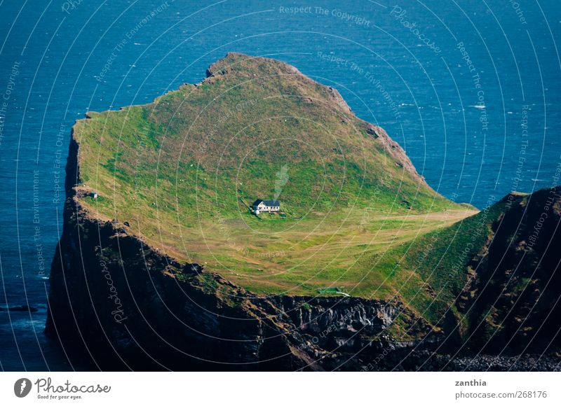 Elliðaey Summer Coast Ocean Atlantic Ocean Island Iceland House (Residential Structure) Hospitality Help Calm Homesickness Wanderlust Loneliness Adventure
