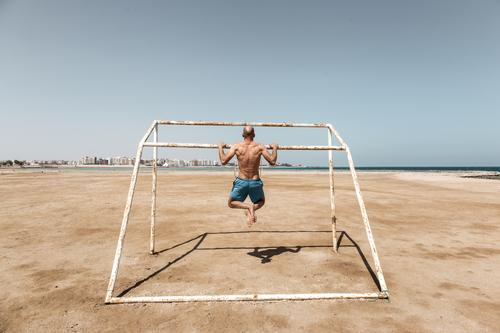 pull-up Athletic Fitness Summer Beach Ocean Sports Sports Training Weight training Masculine Man Adults Body Back 1 Human being 30 - 45 years