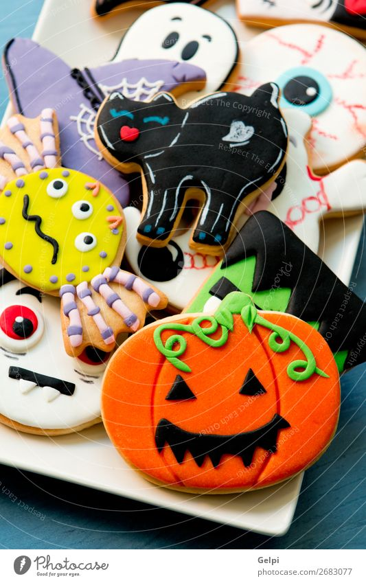 Halloween cookies with different shapes Dessert Plate Joy Face Decoration Table Feasts & Celebrations Hallowe'en Autumn Cat Spider Wood Creepy Delicious Black