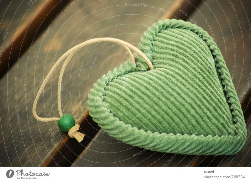 matter close to the heart Harmonious Well-being Contentment Accessory Sign Heart Kissing Cuddly Kitsch Small Positive Soft Brown Green Emotions Happy