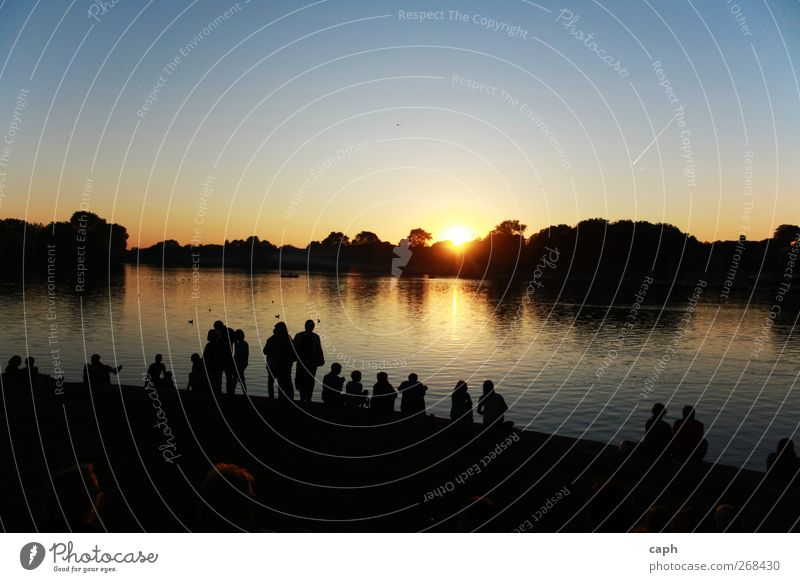 Sky Nature Youth (Young adults) Water Summer Sun Calm Adults Relaxation Landscape Lake Couple Friendship Contentment 18 - 30 years Lifestyle