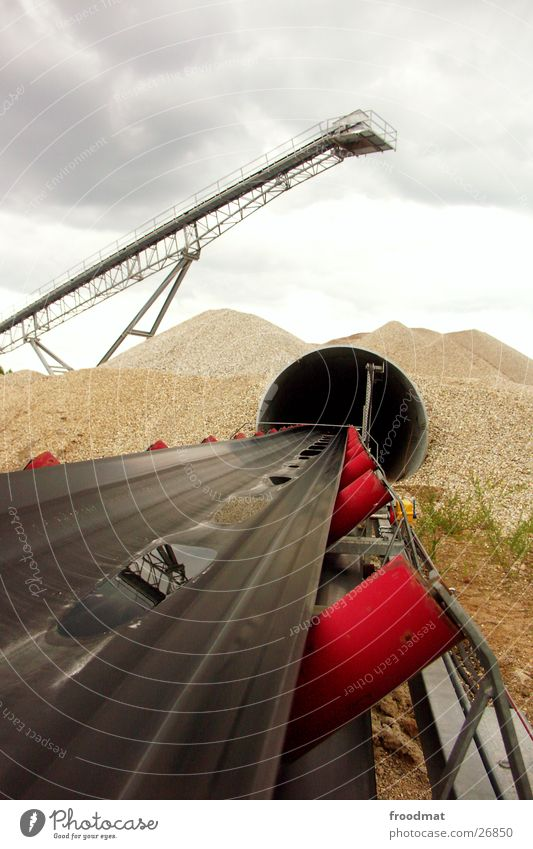 Water Mountain Sand Rain Perspective Deep Production Pit Conveyor belt Gravel pit