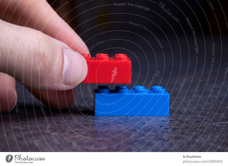 Put two toy building blocks together Fingers Toys Plastic Sign Select Touch To hold on Playing Blue Red Love Loyalty Beginning Creativity Brick In pairs