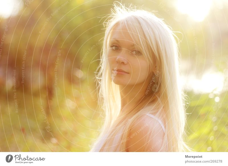 Sunset Feminine Young woman Youth (Young adults) Adults Head Hair and hairstyles Face 1 Human being 18 - 30 years Blonde Long-haired Looking Stand Illuminate