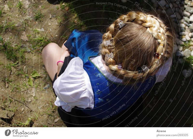 Human being Child Blue White Girl Feminine Hair and hairstyles Head Feasts & Celebrations Blonde Infancy Gold Sit Cute Fairs & Carnivals Nostalgia
