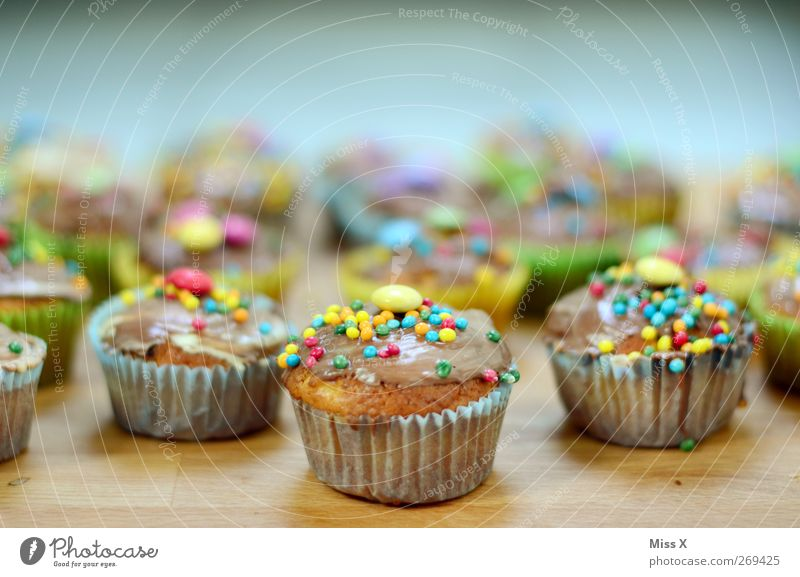 army Food Dough Baked goods Cake Candy Chocolate Nutrition To have a coffee Small Delicious Sweet Multicoloured Muffin Bakery Sugar perl Colour photo Close-up