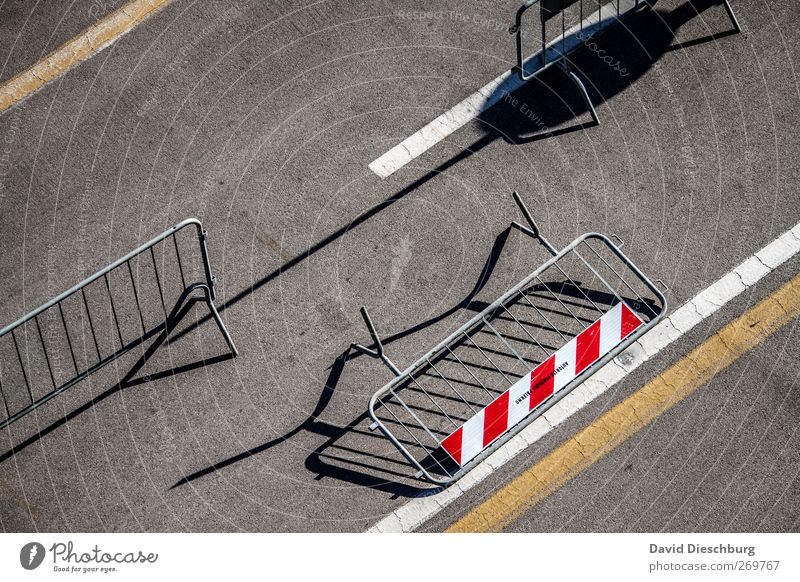 Out of the range Traffic infrastructure Street Lanes & trails Sign Signage Warning sign Gray Red White Barrier Gap Places Protective Grating Row Topple over