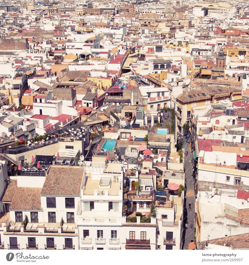 White City House (Residential Structure) Street Architecture Lanes & trails Building Bright Living or residing Roof Spain Downtown Mediterranean Populated