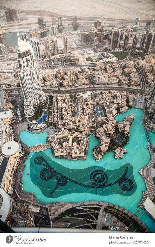 Desde lo mas alto Dubai Emiratos Ärabes Asia Town Port City Downtown Observatory Swimming pool fuente Tourist Attraction Build Observe rascacielo desierto Arena