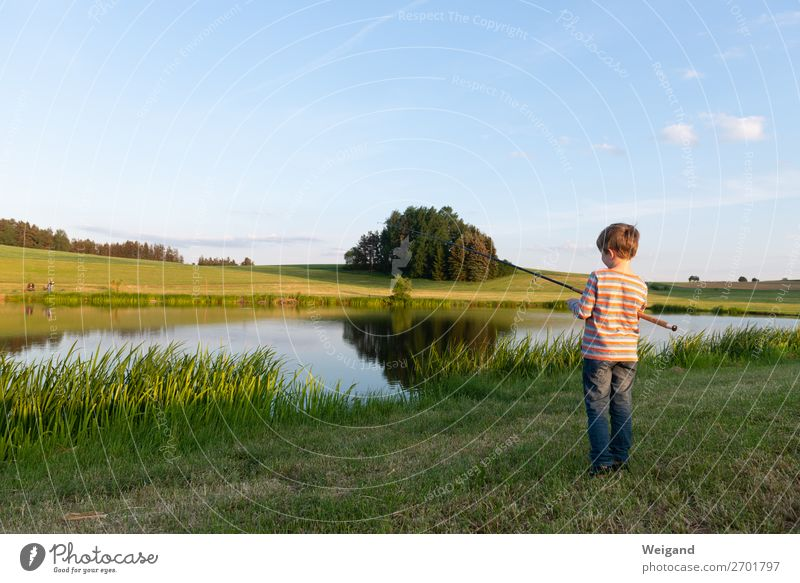 Boy at the lake Parenting Child Toddler Boy (child) Infancy Youth (Young adults) 1 Human being Wait Fresh Healthy Attentive Calm Vacation & Travel Country life
