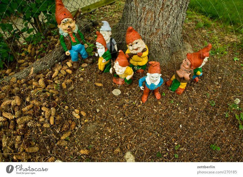 Seven dwarfs (plus a reserve) Lifestyle Style Leisure and hobbies Playing Living or residing Garden Town Kitsch Berlin Garden plot urban Suburb wallroth