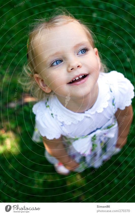 blue eyes Child Smiling Laughter Illuminate Dance Esthetic Blonde Happy Beautiful Near Natural Smart Green Joy Happiness Contentment Joie de vivre (Vitality)