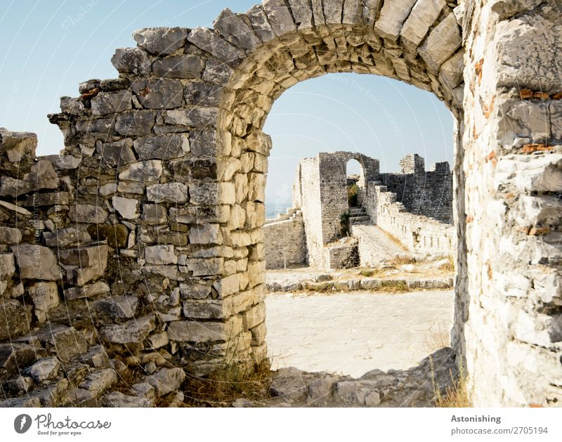 old gate Environment Nature Sky Advice Albania Town Old town House (Residential Structure) Ruin Gate Manmade structures Building Wall (barrier) Wall (building)