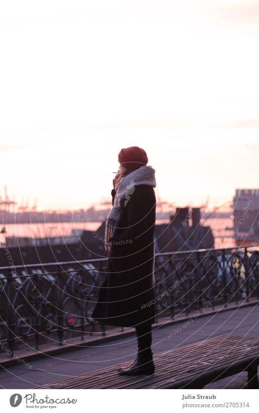 Woman Human being Youth (Young adults) Winter Far-off places 18 - 30 years Adults Feminine Pink Stand Hamburg Break Harbour Mysterious Infinity Balcony