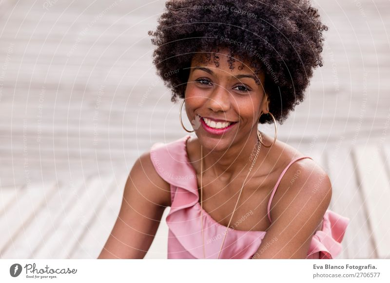 beautiful afroamerican woman smiling Lifestyle Style Happy Beautiful Hair and hairstyles Leisure and hobbies Summer Sun Feminine Young woman