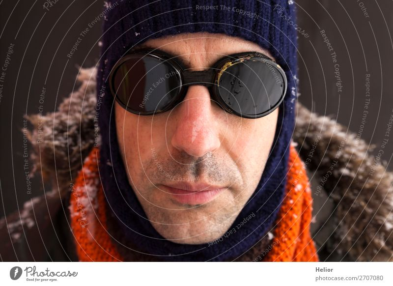 An adventurer in winter with old-fashioned sunglasses Style Vacation & Travel Adventure Expedition Winter Snow Winter sports Man Adults 1 Human being