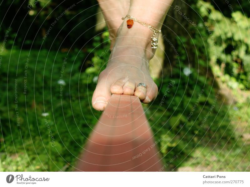 Summer Feminine Sports Feet Going Leisure and hobbies Authentic Touch Athletic Jewellery Balance Barefoot Accessory Acrobatics Track and Field Dexterity