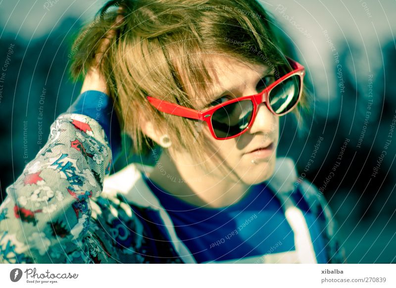 Sunny Lifestyle Style Young man Youth (Young adults) 1 Human being 18 - 30 years Adults Sunglasses Cool (slang) Hot Hip & trendy Uniqueness Crazy Wild Blue Red