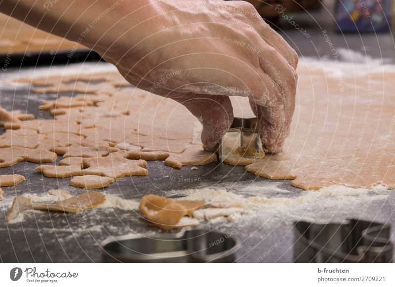 Christmas & Advent Hand Food Movement Feasts & Celebrations Work and employment Nutrition Fresh Fingers Star (Symbol) Delicious Kitchen To hold on Baked goods