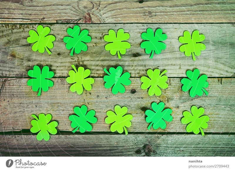 Beautiful close-up flat of many irish shamrocks Style Design Happy Table Wallpaper Feasts & Celebrations Culture Leaf Paper Wood Ornament Fresh Hip & trendy